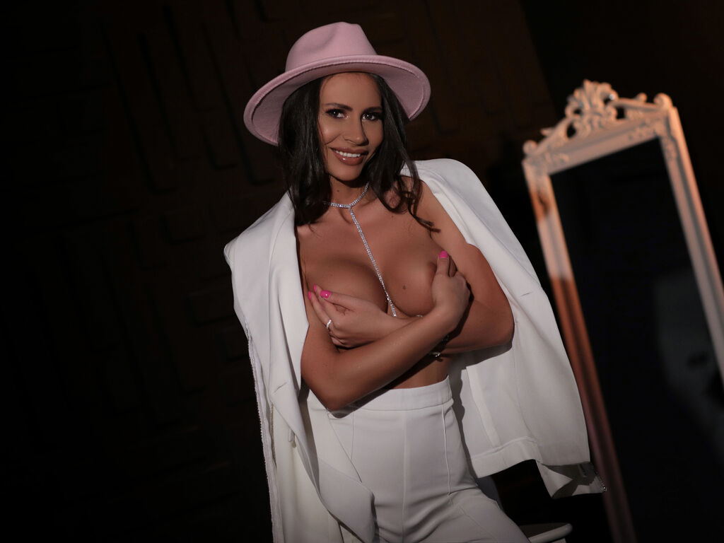 carollinefox live web cam sex chat