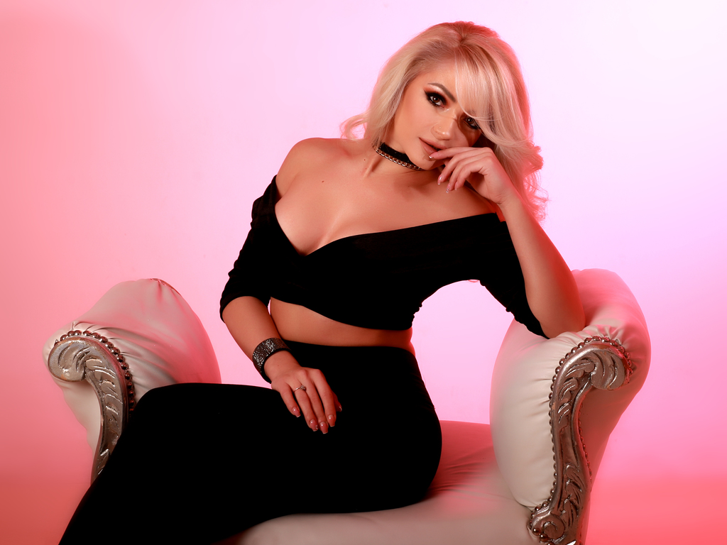 cloemaze live sex tv