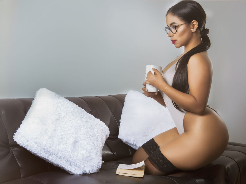 zoevega direct sex chat live