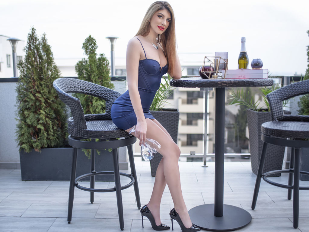raffaellamartini chat live sex video