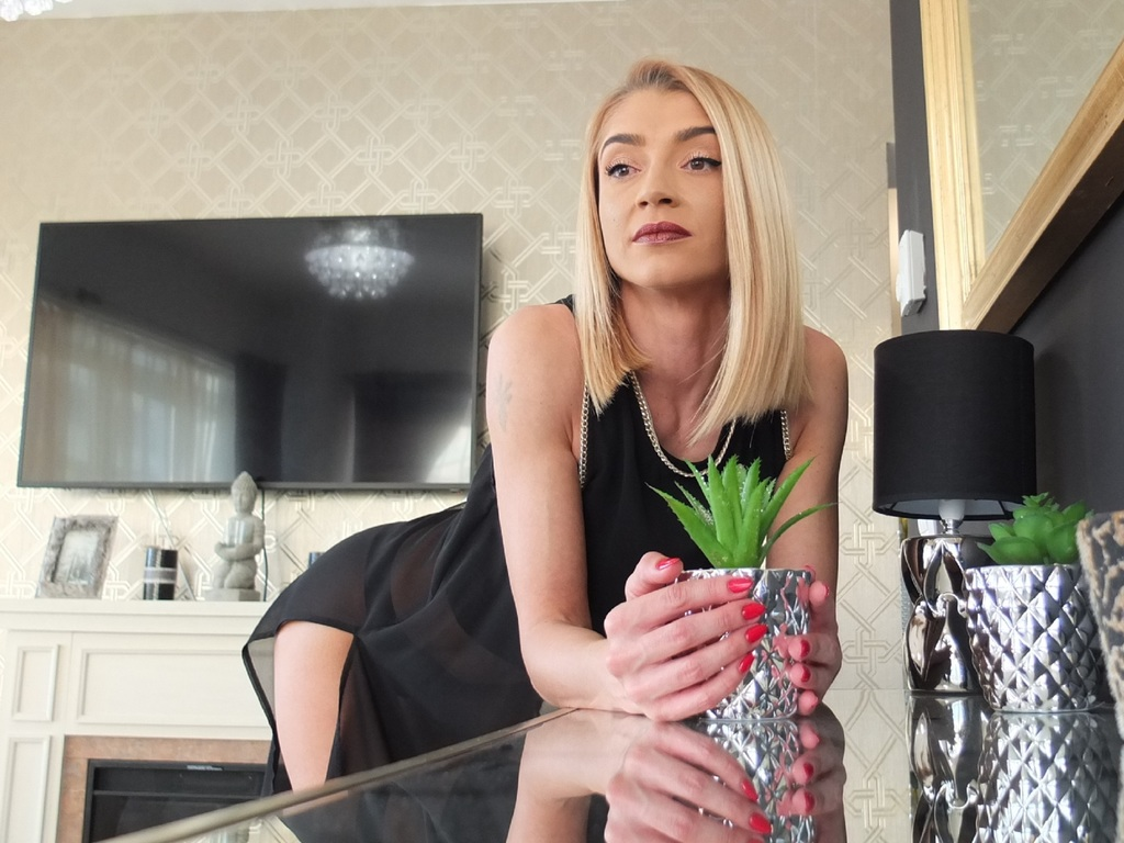 xxhotaliciaxx hot live sex show