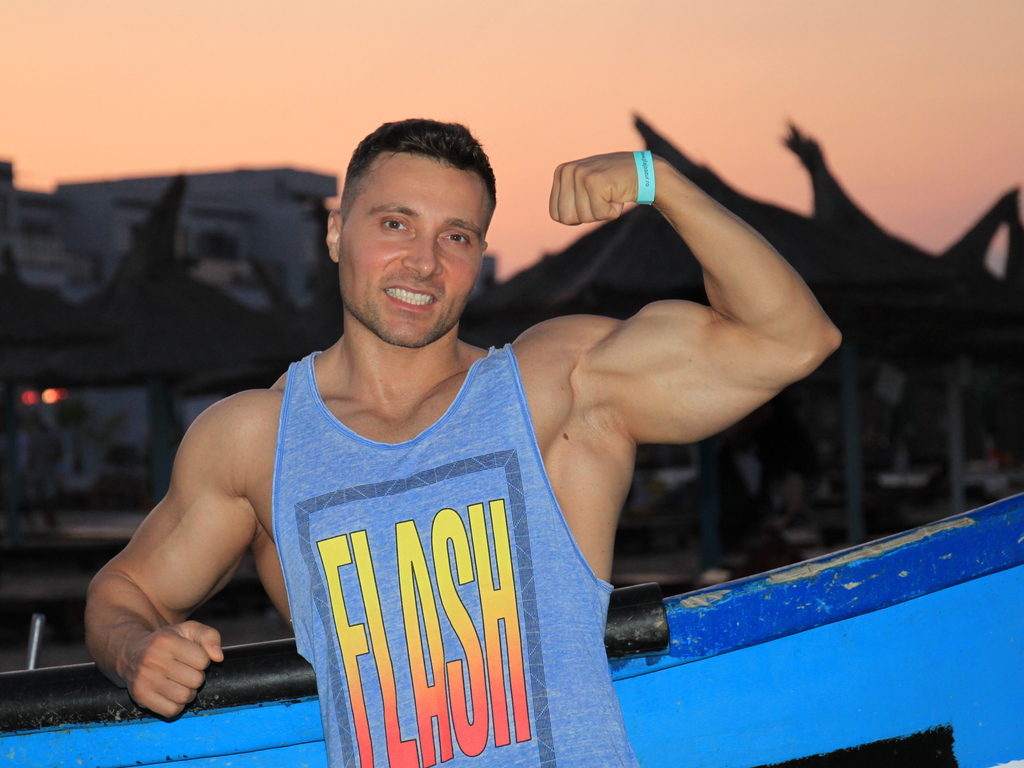 rippedmuscle livejasmin
