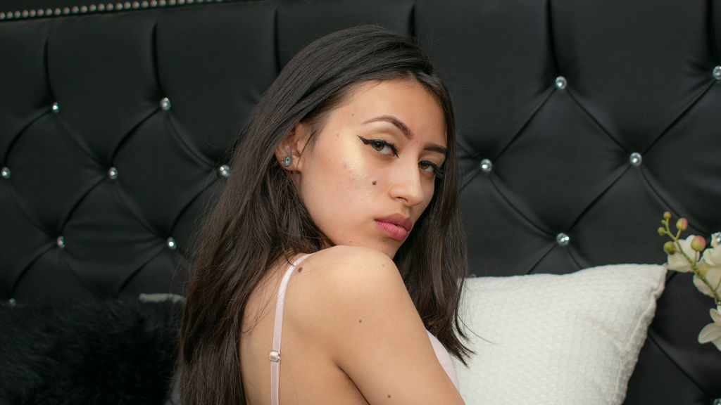 Watch the sexy AmyDanvers from LiveJasmin at GirlsOfJasmin