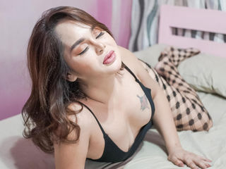 Webcam model AngelaSalama from Web Night Cam
