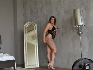 Webcam model KatyAdamson from Web Night Cam