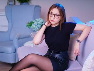 20 petite white female brown hair grey eyes BaileySincere chat room