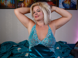Sexy profile pic of SWEETALYXO