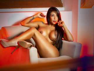 Webcam model NikoleMiller from Web Night Cam