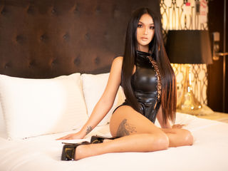I Am Named AlexaSaturna! A Camming Eye-catching Lady Is What I Am, I Have Black Hair And My Age Is 25 Years Old