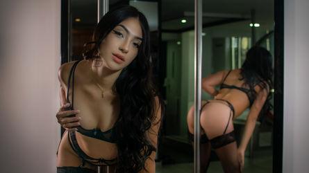 Wunder Frau Chechik Adriana Video Digital