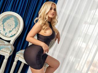 Sexy profile pic of YaniraLove