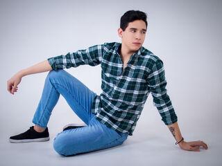 Sexy profile pic of MikeBlanc