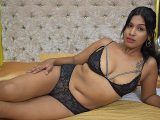 Webcam model MiaQuincyh from Web Night Cam