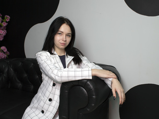 20 petite white female black hair green eyes KristinaGrace chat room