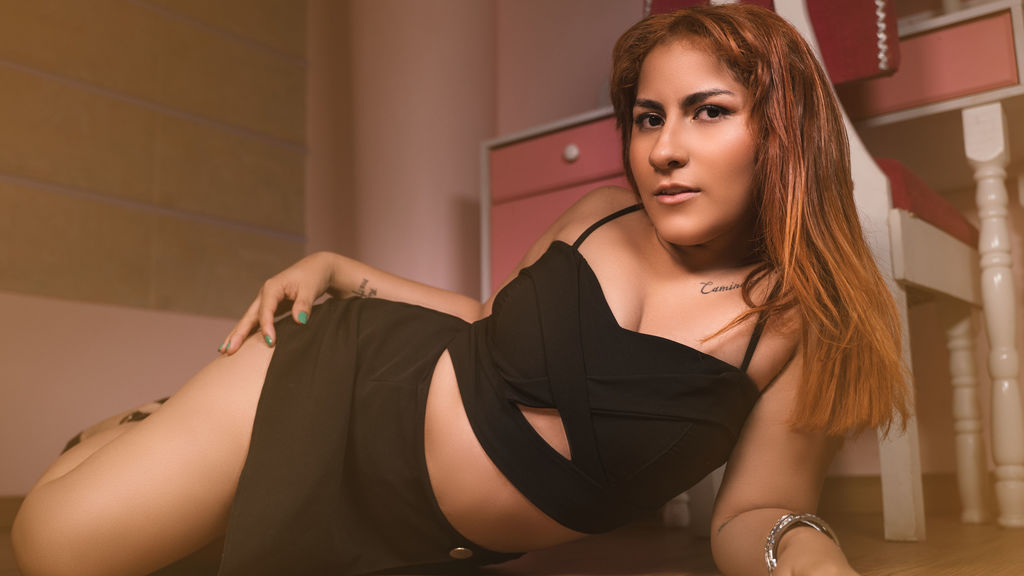 Watch the sexy RoxanneOlsen from LiveJasmin at GirlsOfJasmin