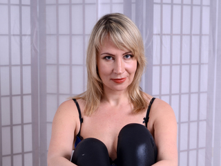 Webcam model Antuanetasexlove from Web Night Cam