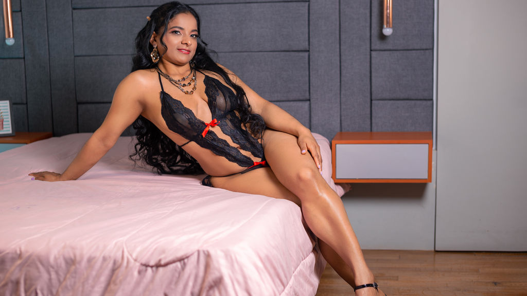 Watch the sexy VannesaJones from LiveJasmin at GirlsOfJasmin