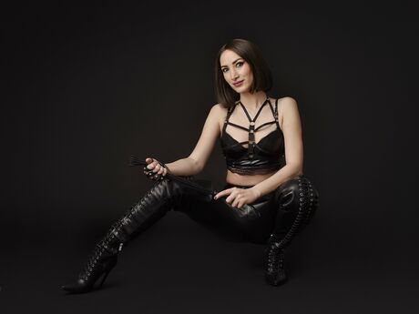 Chat with AngelaRaven