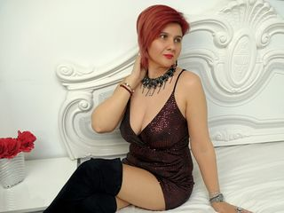Webcam model LucilleHemington from Web Night Cam