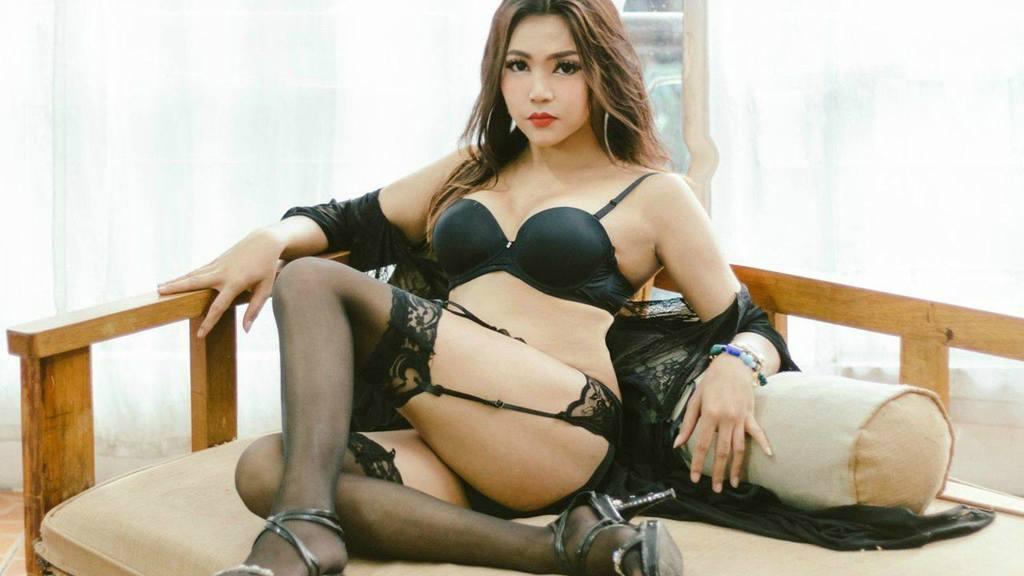 Statistics of MikaShag cam girl at BoysOfJasmin