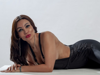 PaulaGallo - hot and sexy Peruvian mail-order bride