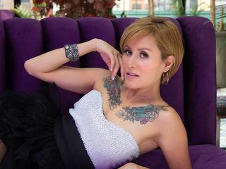 Hot picture of DaphneJonhson