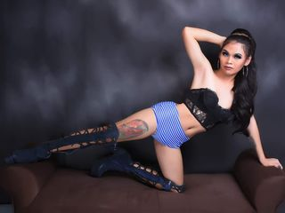 AliceGomez model - transgender, big size - english