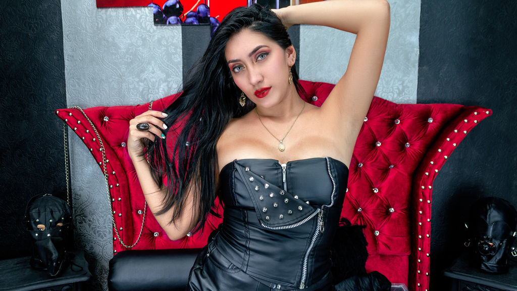 Watch the sexy BelindaGriffin from LiveJasmin at GirlsOfJasmin