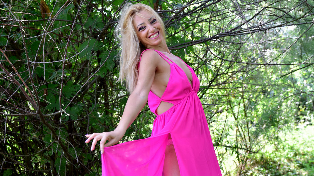 AngelaDrew LiveJasmin Webcam Model