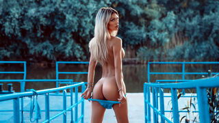 JuliaAzzuro webcam show