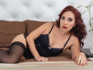 34 petite  female fire red hair green eyes ArianaPetite chat room