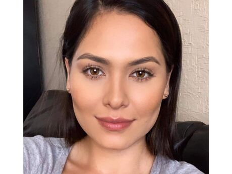 Chat with StefaniaVega