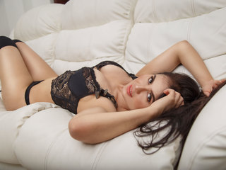Webcam model MartinaWood from Web Night Cam