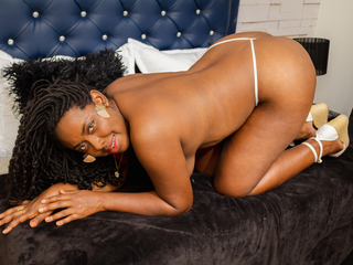 Webcam model SharlotEvans from Web Night Cam