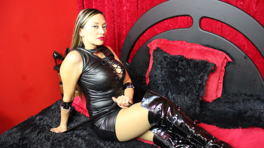 Watch the sexy DmianaPatter from LiveJasmin at GirlsOfJasmin