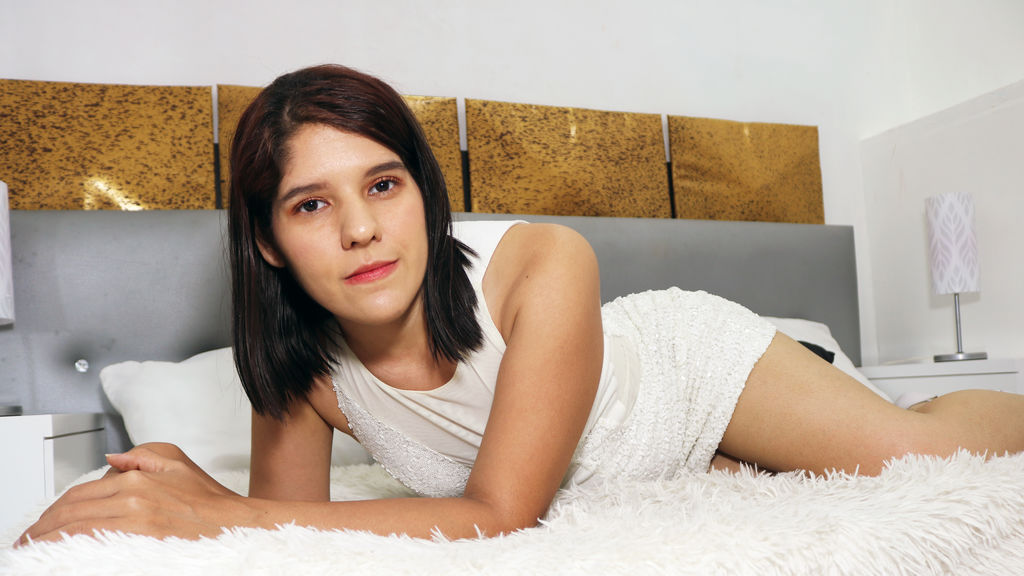 Watch the sexy AnneBream from LiveJasmin at GirlsOfJasmin